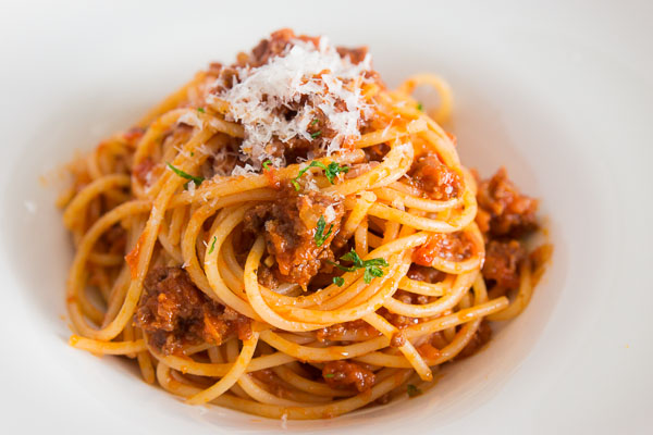 A quick, yet flavorful take on the classic spaghetti with meat sauce. Recipe: http://norecipes.com/blog/spaghetti-recipe/